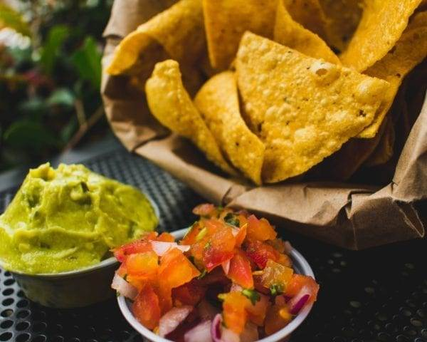 Serving chips and dip at your BBQ is a frugal appetizer